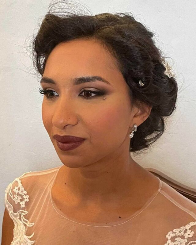 Trucco sposa per #invernoprofondo Colori freddi e intensi senza perdere però la delicatezza  #armocromia #armocromiaetruccocorrettivo #makeup #makeupartist #truccosposa #wakeupandmakeup #makeuplook #makeuplovers #makeupslave